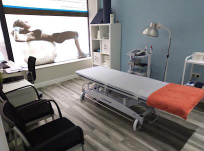imagen de masajista Clínica iPhysio Therapy   Fisioterapia · Nutrición y Dietética · Pilates