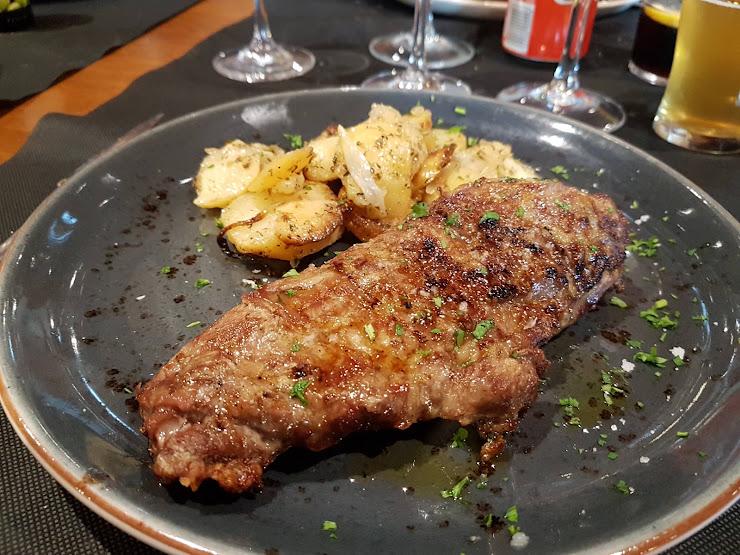 Restaurant Cal Cassoles Maset dels Conills, s/n, 08796 Pacs del Penedès, Barcelona
