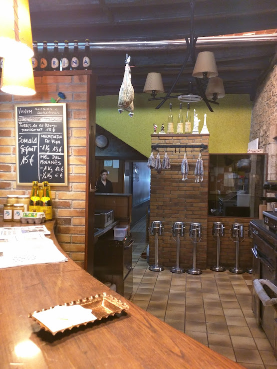 Can Xarina restaurant Carrer Major, 30, 08178 Collsuspina, Barcelona