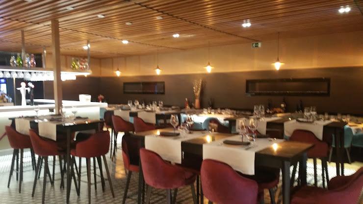 Adrian's Restaurant Passeig dels Ferrocarrils Catalans, 154, 08940 Cornellà de Llobregat, Barcelona
