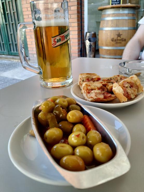 Restaurant Paradas Carrer de Vila i Vilà, 17, 08004 Barcelona