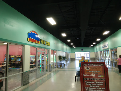 Shopping Mall «Crossville Outlet Center», reviews and photos, 228 Interstate Dr, Crossville, TN 38555, USA