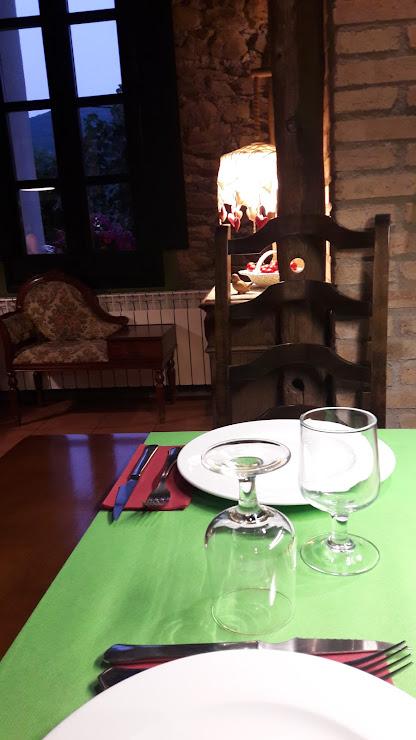 Restaurant el Trill Carrer de Ribes, 17, 17535 Planoles, Girona