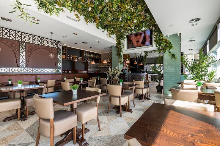 Internacional Restaurante Bar Carrer de la Jonquera, 26, 08005 Barcelona