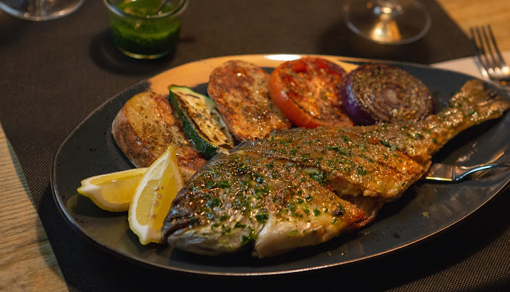 Restaurante El Fogón de Sant Boi Rambla Rafael Casanova, 4, 08830 Sant Boi de Llobregat, Barcelona