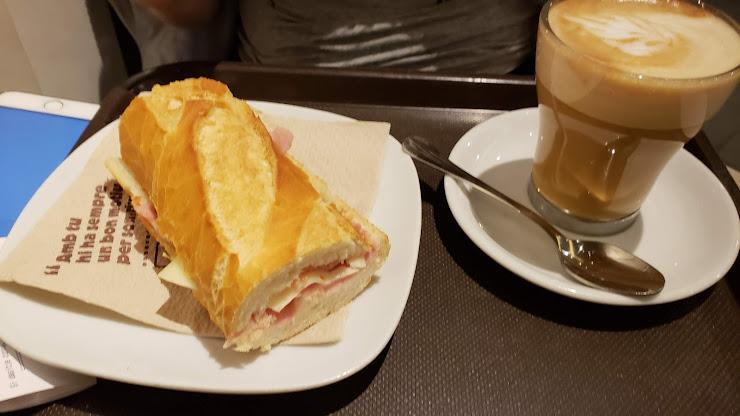 365 Cafe Carrer de Còrsega, 264, 08008 Barcelona