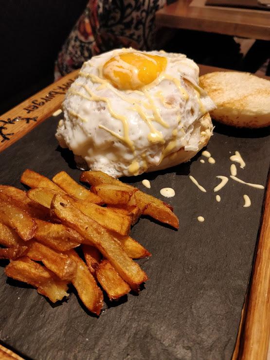 Burgerplatz Carretera de Sant Maurici, 11, 25597 Espot, Lérida