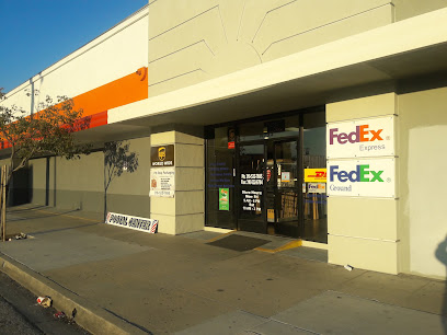 Shipping and mailing service FedEx UPS DHL Authorized Postal Center Pitstop Packaging