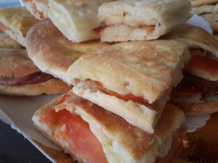 Pizza Da Carlo Via Alcide De Gasperi, 4, 08020 Budoni OT, Italia