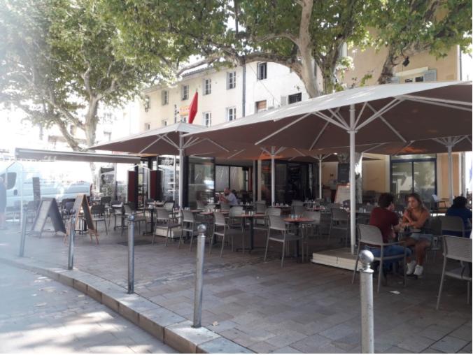 photo du resaurant Restaurant Carpentras - Le Rich'Bar - Tabac