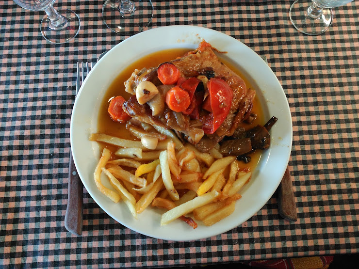 Restaurant Can Sues N-150, km 15,48, 08227 Terrassa, Barcelona