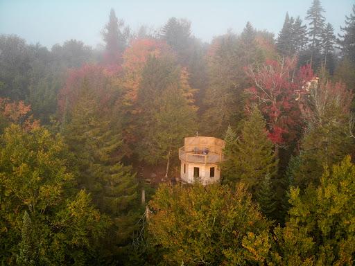 Hôtel de luxe Les Refuges Perchés Mont-Tremblant à Saint-Faustin-Lac-Carré (QC)   CanaGuide