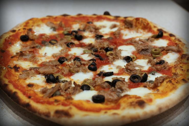 la Superba pizzeria artigianale Placa de Sarda Salvany, 08206 Sabadell, Barcelona