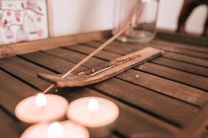 imagen de masajista Viraha Terapias naturales
