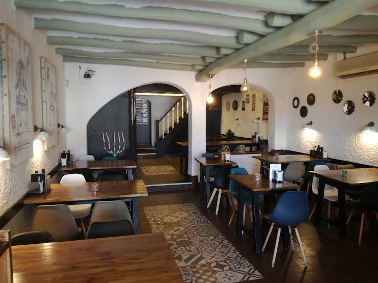 Cafe Bar Restaurant El Racó Plaça de la Vila, 5, 08790 Gelida, Barcelona