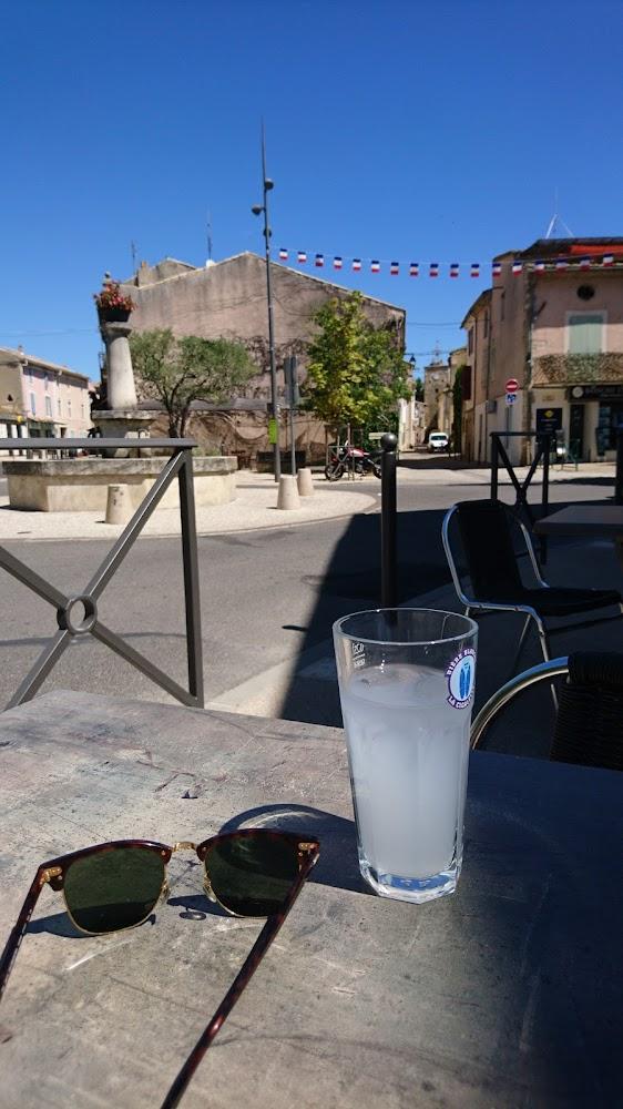 photo du resaurant Cafe Le Commerce
