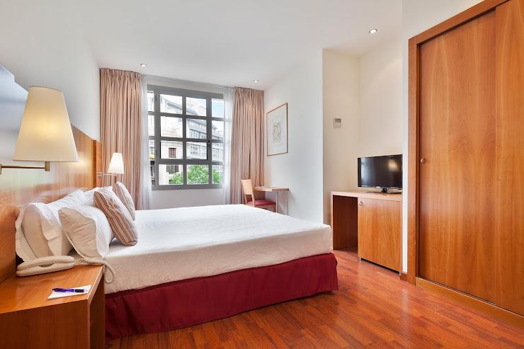 Hotel Aranea Carrer del Consell de Cent, 444, 08013 Barcelona