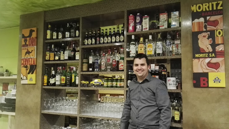 Restaurante Snack Bar Els Bravos Calle, Carr. Seu d'Urgell, 76, 25740 Ponts, Lérida