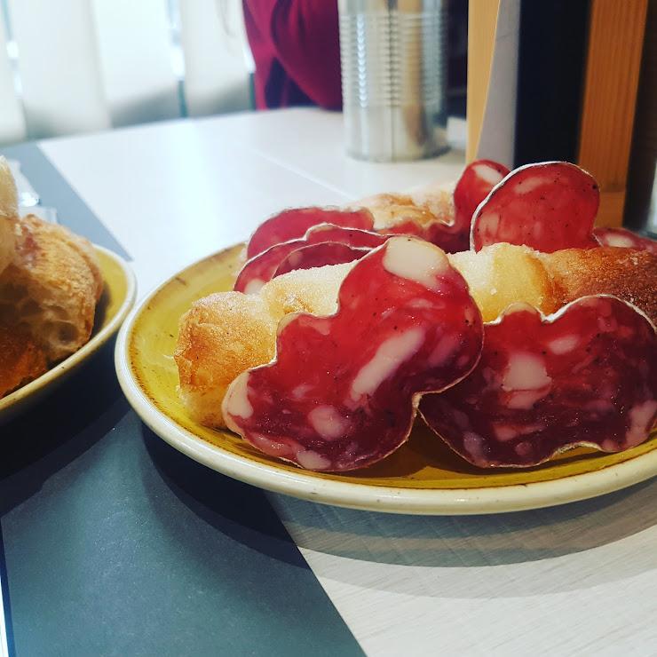 Restaurant Cafeteria Garbí Ronda de Francesc Camprodon, 3-5, 08500 Vic, Barcelona