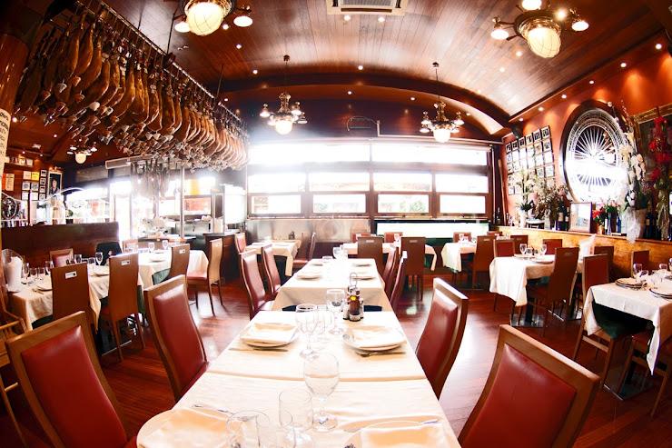Restaurant La Barca del Salamanca Moll de Gregal, 17, 08005 Barcelona