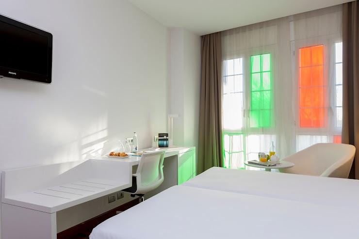 Hotel URH Ciutat de Mataró Camí Ral de la Mercè, 648, 08302 Mataró, Barcelona