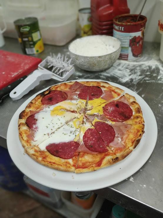 Pizzeria El Mundo1 Carrer de Munné, 8, 08028 Barcelona