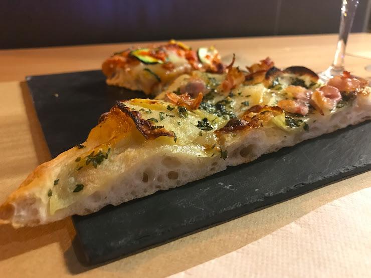 Muzio, quizás la mejor pizza en Mataró Carrer d'Esteve Albert, 43, 08304 Mataró, Barcelona