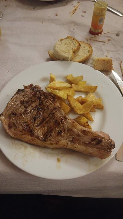 Restaurant La Serra Calle Hostal La Serra Bajo, 17468 Sant Esteve de Guialbes, Girona