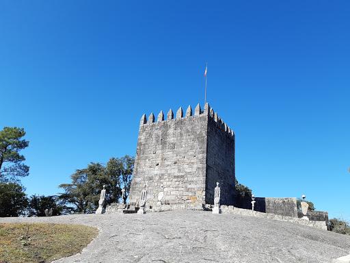 Castelo da Póvoa de Lanhoso, N205 560, 4830-513 Póvoa de Lanhoso, Portugal, Abadia, estado Braga