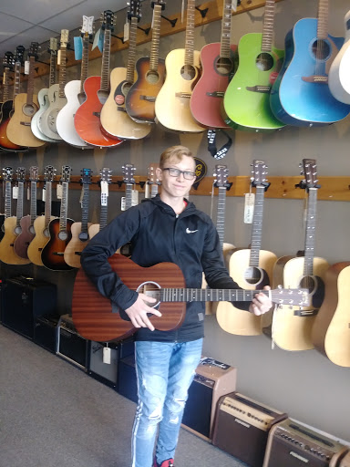 Music School Bobby Lalonde Music in Hawkesbury (ON) | CanaGuide