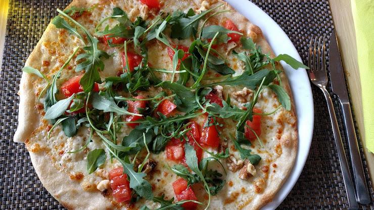 Restaurant Pizzeria La Piccola Carrer Migdia, 89, 17003 Girona
