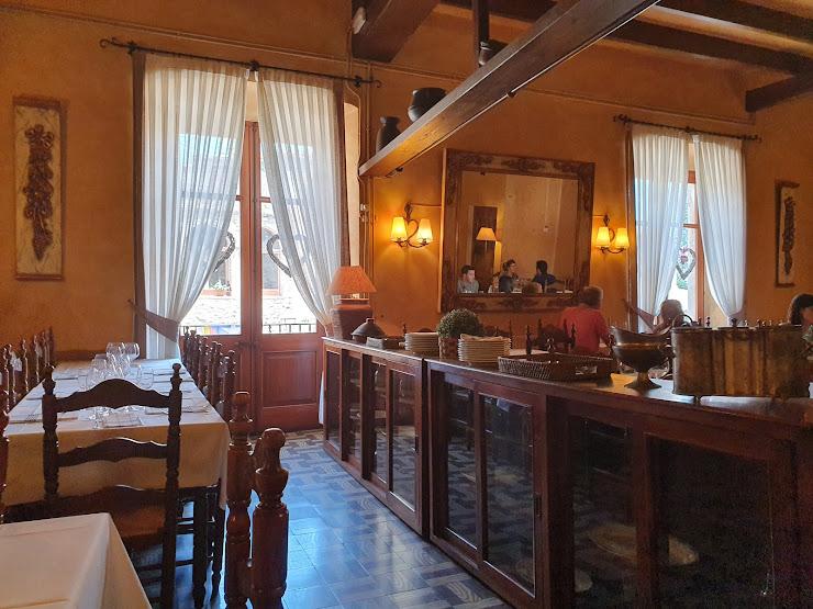 Restaurant Bonay Plaça de les Voltes, 13, 17113 Peratallada, Girona