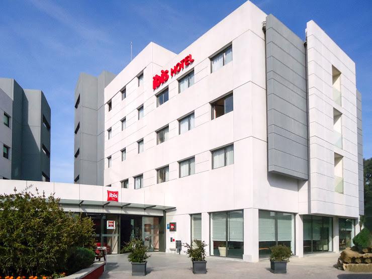 Hotel ibis Girona Costa Brava Carrer de Francesc Ferrer i Gironès, 16, 17007 Girona