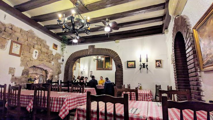 Mesón Jesús Restaurante Carrer dels Cecs de la Boqueria, 4, 08002 Barcelona