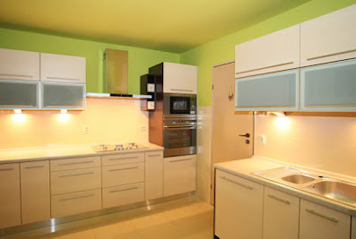 Customized Kitchen & Home furniture interior manufacturer SWAN KUCHEN By WOOD LOGICVadodara
