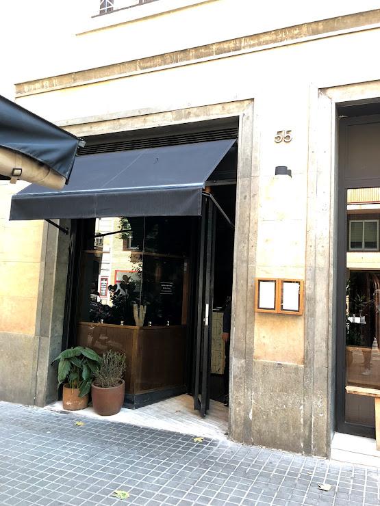 Robata Restaurante Japonés Carrer d'Enric Granados, 55, 08008 Barcelona