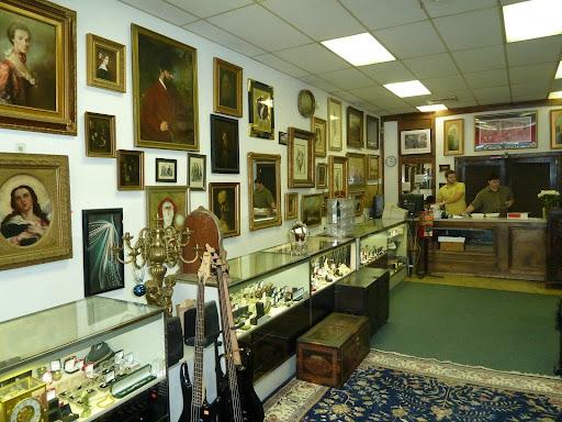 Royal Pawn, 6116 Franconia Rd, Alexandria, VA 22310, Pawn Shop