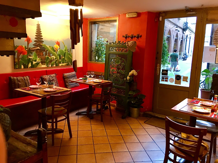 Restaurant Betawi Carrer de Montsió, 6, 08002 Barcelona
