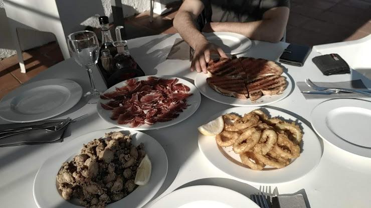 Bar Restaurant El Pi Gros Carrer de les Escoles, 4, 17251 Calonge, Girona