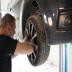 Auto Repair Shop «Smart Auto Repair», reviews and photos, 10570 Hall Rd, Whitmore Lake, MI 48189, USA