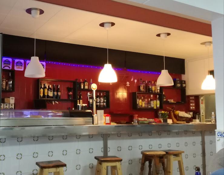 Bar TapaT Carrer de la Baronessa de Maldà, 23, 08950 Esplugues de Llobregat, Barcelona