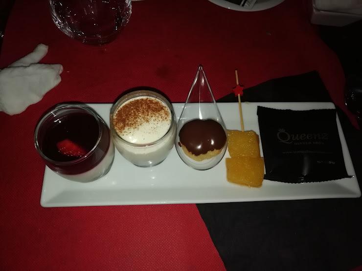 Queenz Restaurant Carrer d'Espalter, 2, 08870 Sitges, Barcelona