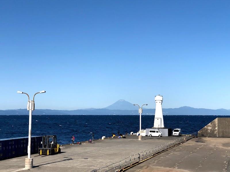 岡田港防波堤灯台