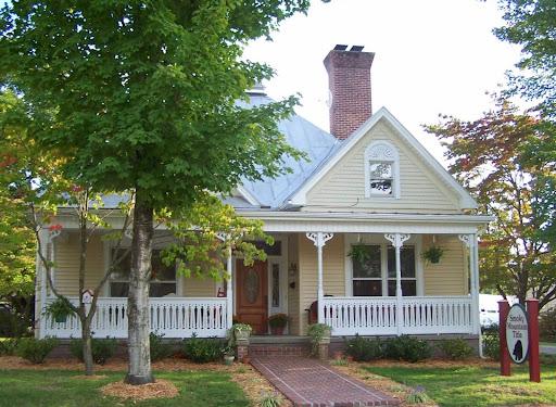 Smoky Mountain Title, 117 Joy St, Sevierville, TN 37862, Title Company