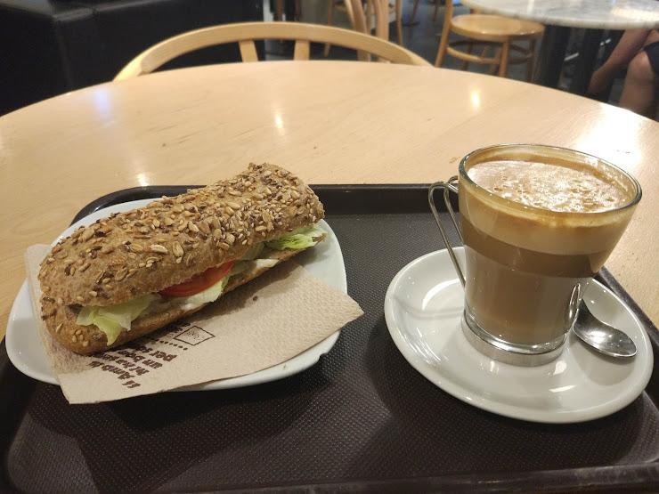 365.Cafè Carrer de la Mare de Déu de Port, 273, 08038 Barcelona