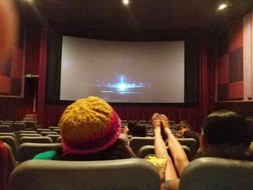 Movie Theater Regal Cinemas Davis Holiday 6 Reviews And Photos