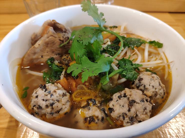 Tutu Vietnamese Cuisine Carrer del Clot, 31, 08018 Barcelona