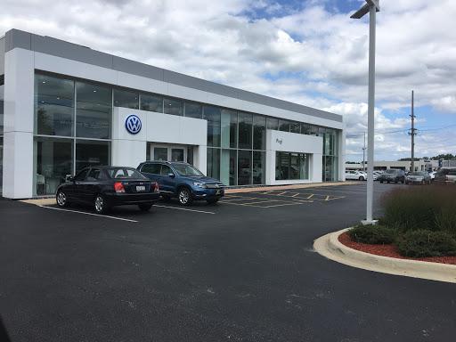 Volkswagen Dealer «Pugi Volkswagen», reviews and photos, 2020 Ogden Ave, Downers Grove, IL 60515, USA