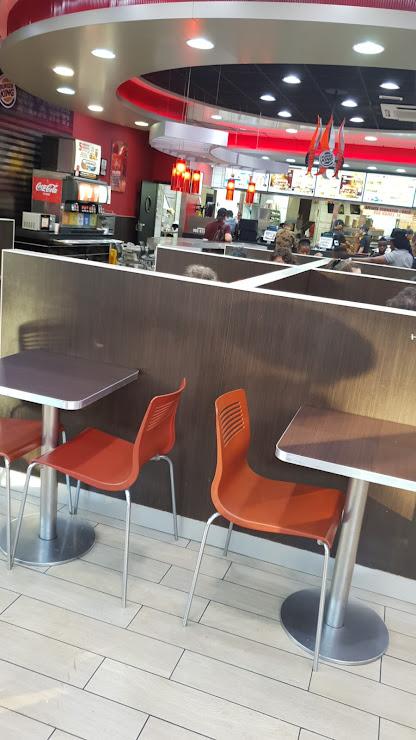 Burger King Paseo de Lorenzo Serra, 10, 12, 08921 Sta Coloma de Gramanet, Barcelona