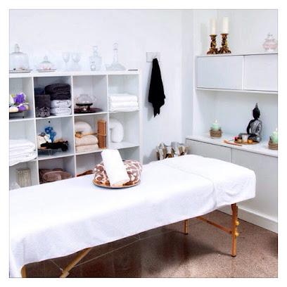 imagen de masajista Alma Masajes Valencia